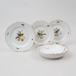Set of Twelve Meissen Porcelain Ozier Molded Plates and a Bowl, Decorated with Birds