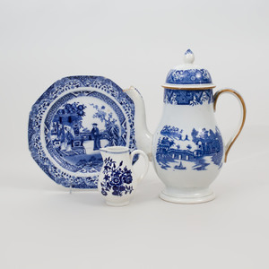 English Blue & White Porcelain Coffee Pot, A Worcester Cream Jug and an Chinese Export Octagonal Plate