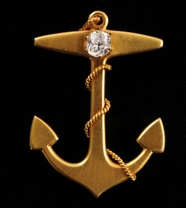 14K GOLD AND DIAMOND ANCHOR BROOCH