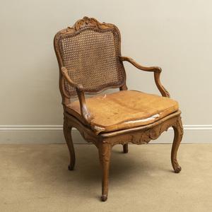Louis XV Beechwood Caned Fauteuil à la Reine