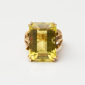 18k Gold and Lemon Citrine Ring