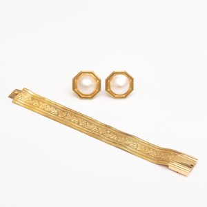 14k Gold Mesh Bracelet and Pair of 14k Gold and Pearl Earclips