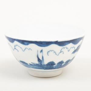 Bow Blue and White Porcelain Teabowl