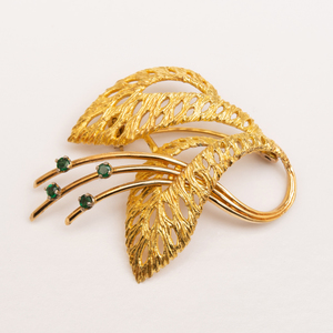 18k Gold and Emerald Feathered Brooch