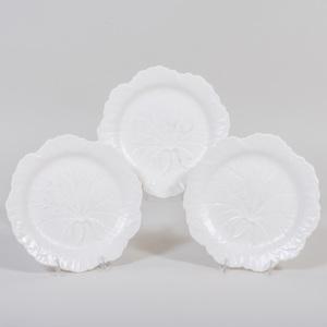 Set of Sixteen Wedgwood Porcelain Cabbage Leaf Plates