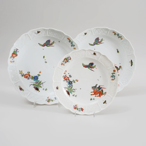 Pair of Meissen Porcelain Plates and a Matching Smaller Plate in the 'Kakiemon' Pattern