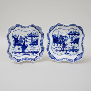 Two Caughley Blue and White Porcelain Square Dishes in the 'Weir' Pattern