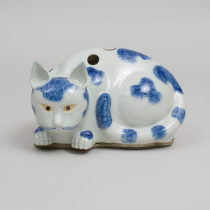 Chinese Blue and White Porcelain Cat Form Nightlight and Stand