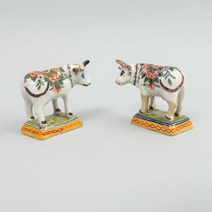 Pair of Small Dutch Delft Models of Cows