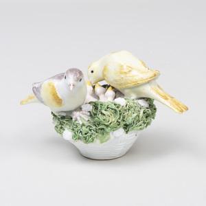 Meissen Porcelain Model of a Nesting Bird and Three Fledglings, 'Vogelnester'