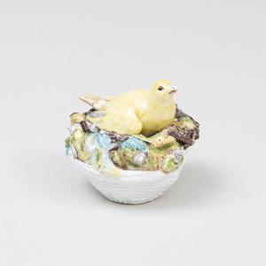 Meissen Porcelain Model of a Sitting Finch, 'Vogelnester'