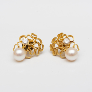 Andrew Grima Pair of 18k Gold and Cultured Pearl Earclips