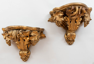 Pair of Giltwood Brackets Carved with Tassel and Grapes
