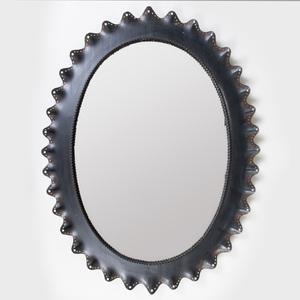 Black Tôle Oval Mirror