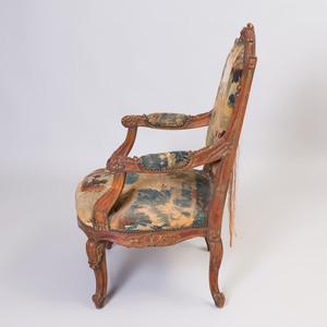 Régence Style Stained Wood Fauteuil à la Reine