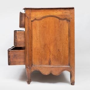 Early Louis XV Walnut Commode