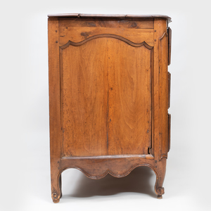 Early Louis XV Walnut Commode