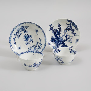 Two Worcester Blue and White Porcelain Teabowls and Saucers