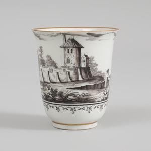 Vienna Porcelain (Du Paquier) Schwarzlot Beaker