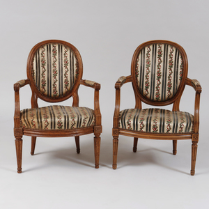 Pair of Louis XVI Style Carved Beechwood Fauteuils en Cabriolet