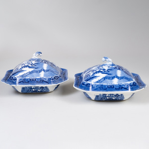 Pair of English Transfer Printed Porcelain Vegetable Dishes and Covers in the 'Blue Willow' Pattern