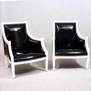 Pair of Régence Style Painted Wood Armchairs, of Recent Manufacture