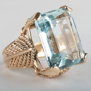 Retro 14K Gold and Aquamarine Ring