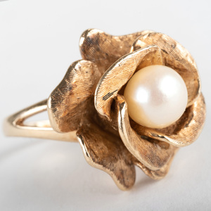 Vintage 14k Gold and Cultured Pearl Flower Ring