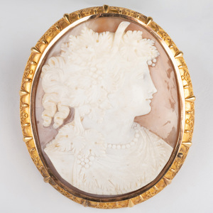 Victorian 18k Gold and Shell Cameo Brooch