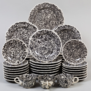 Extensive Pascale Mestre Black and White Aptware Dinner Service
