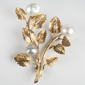 18k Gold and Gray Baroque Pearl Floral Pin