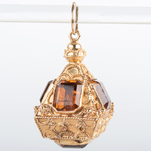 Italian 18k Gold and Citrine Pendant/Charm