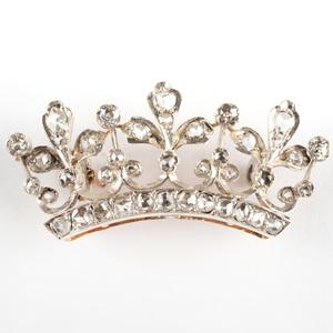 14k White Gold and Diamond Crown Pin