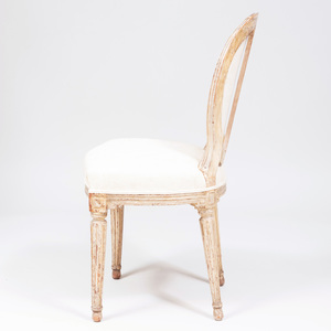 Louis XVI White Painted Beechwood Chaise en Cabriolet