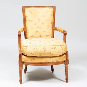 Louis XVI Beechwood Fauteuil en Cabriolet