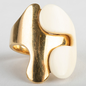 Van Cleef & Arpels 18k Gold Ring