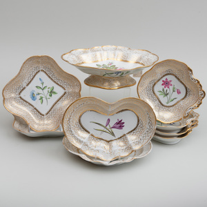 Chamberlain Worcester Gilt Ground Porcelain Flower Decorated Service