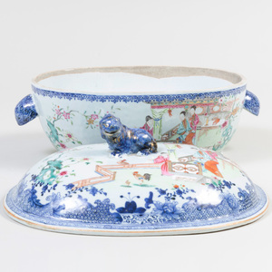 Chinese Export Famille Rose Porcelain Soup Tureen and Cover