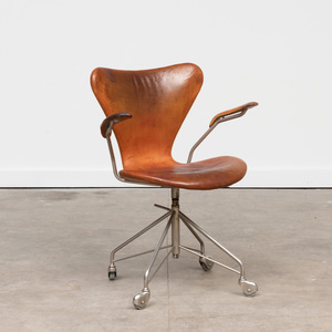 Arne Jacobsen Leather and Chrome 'Model 3117' Desk Chair