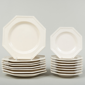 Set of Eight Mestre Octagonal Creamware Dinner and Eight Dessert Plates