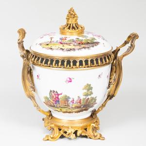 Samson Ormolu-Mounted Porcelain Potpourri Bowl and Cover