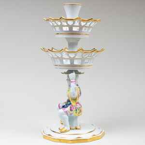 Mottahedeh Porcelain Three-Tiered Sweetmeat Stand in the 'Tobacco Leaf' Pattern