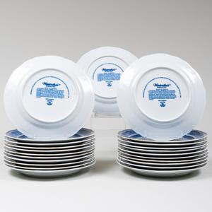 Set of Twenty-Three Mottahedeh Porcelain 'Cinncinnati' Plates